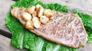 ニンニクがっつり豪快ステーキ!ナオトのソト飯すたいるさんのワイルド料理がたまらない!